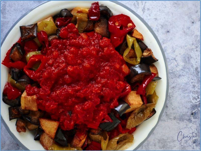 Fried Vegetables With Tomato & Yoghurt Sauce (Şakşuka)