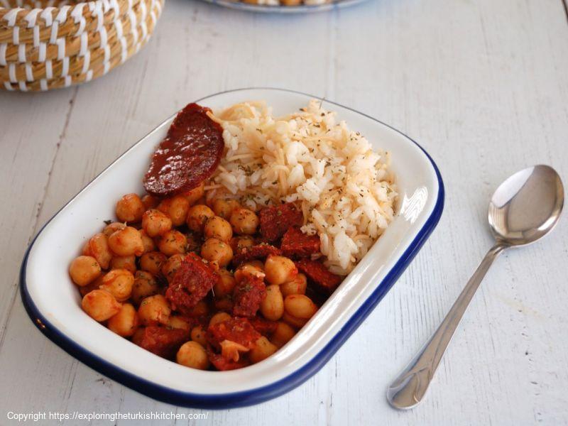 Chickpea & Sucuk Stew (Sucuklu Nohut Yemeği)